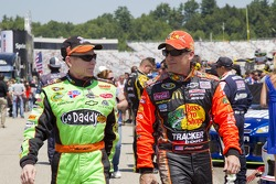 Mark Martin, Hendrick Motorsports Chevrolet and Jamie McMurray, Earnhardt Ganassi Racing Chevrolet