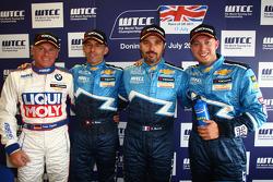 Franz Engstler, BMW 320 TC, Liqui Moly Team Engstler, Alain Menu, Chevrolet Cruze 1.6T, Chevrolet, Yvan Muller, Chevrolet Cruz 1.6T, Chevrolet and Robert Huff, Chevrolet Cruze 1.6T, Chevrolet