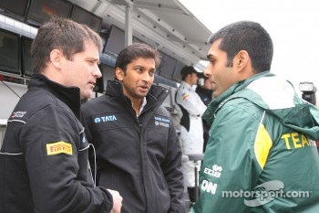 Narain Karthikeyan, HRT Formula One Team and Karun Chandhok, Lotus F1 Team