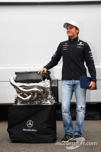 Nico Rosberg, Mercedes GP F1 Team celebrates his 100th race