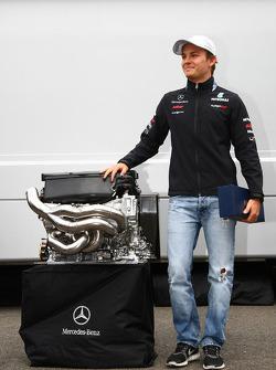 Nico Rosberg, Mercedes GP F1 Team celebrates his 100th race