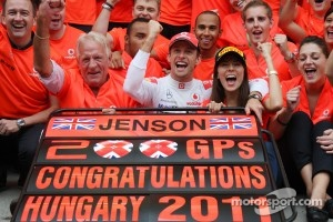 Jenson Button's father dies at 70
