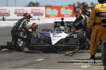 Pit stop for Alex Tagliani, Sam Schmidt Motorsports