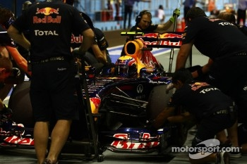 Mark Webber, Red Bull Racing practice pit stop