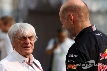 Bernie Ecclestone and Adrian Newey, Red Bull Racing, Technical Operations Director