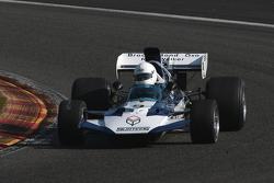 #9 Judy Lyons, Surtees TS9