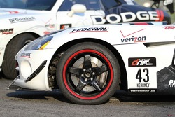 Side shot of the VLEDS / Federal Tire, Dodge Viper SRT-10 piloted by Dean