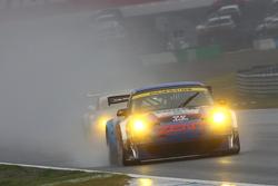 #25 ZENT Porsche RSR: Akihiro Tsuzuki, Takeshi Tsuchiya