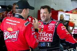 NASCAR-CUP: Kevin Harvick, Richard Childress Racing Chevrolet and Tony Stewart, Stewart-Haas Racing Chevrolet