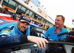 Yvan Muller, Chevrolet Cruz 1.6T, Chevrolet and Ray Mallock, CEO RML