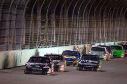 Kevin Harvick, Richard Childress Racing Chevrolet leads the field on a restart