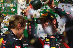Podium: second place Sebastian Vettel, Red Bull Racing and race winner Mark Webber, Red Bull Racing