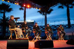 Fan forum: Greg Biffle, Roush Fenway Racing Ford, Jeff Gordon, Hendrick Motorsports Chevrolet, Casey Mears, Germain Racing Ford, Michael McDowell