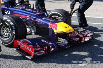 Mark Webber, Red Bull Racing in the new RB8 front wing