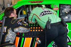 Ryan Newman, Stewart-Haas Racing Chevrolet and Danica Patrick, Stewart-Haas Racing Chevrolet