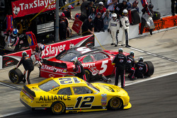 Dale Earnhardt Jr., JR Motorsports Chevrolet and Sam Hornish Jr., Penske Racing Dodge