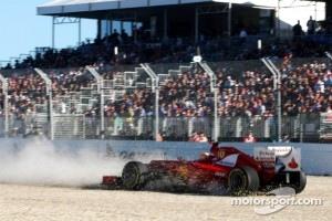 Fernando Alonso, Scuderia Ferrari goes off the track in Q2