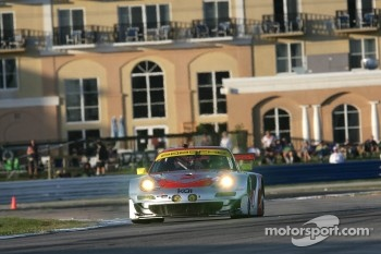 #45 Flying Lizard Motorsports Porsche 911 GT3 RSR: Jrg Bergmeister, Patrick Long, Marco Holzer
