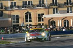 #45 Flying Lizard Motorsports Porsche 911 GT3 RSR: Jörg Bergmeister, Patrick Long, Marco Holzer
