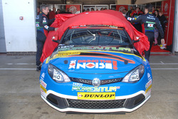 Andy Neate and Jason Plato unveil MG KX Momentum Racing MG6