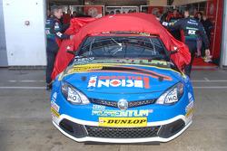 Andy Neate and Jason Plato unveil MG KX Momentum Racing MG6