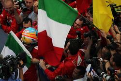 Race winner Fernando Alonso, Ferrari