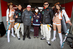 Hiroki Yoshimoto and Kazuki Hoshino with their race queens