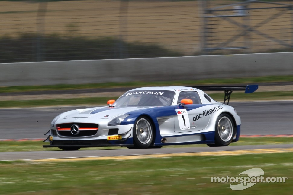 #1 Heico Gravity-Charouz Team Mercedes SLS AMG GT3: Dominik Baumann, Maximilian Buhk