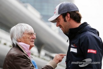 Bernie Ecclestone, CEO Formula One Group, with Jean-Eric Vergne, Scuderia Toro Rosso
