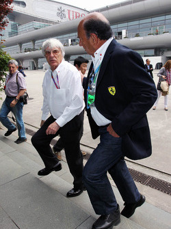 Bernie Ecclestone, CEO Formula One Group, with Emilio Botin, Santander Chairman