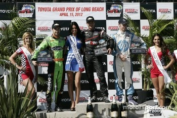 Podium: winner Will Power, Verizon Team Penske Chevrolet, second place Simon Pagenaud, Schmidt/Hamilton Motorsports Honda, third place James Hinchcliffe, Andretti Autosport Chevrolet