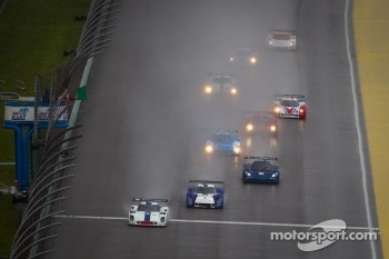 DP start: #8 Starworks Motorsport Ford Riley: Ryan Dalziel, Enzo Potolicchio leads the field