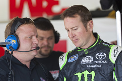 Kurt Busch, Phoenix Racing Chevrolet and crew chief Nick Harrison