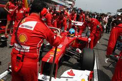 Fernando Alonso, Scuderia Ferrari on the grid