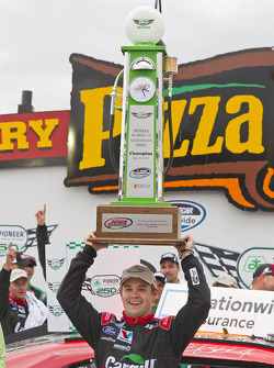 Victory lane: race winner Ricky Stenhouse Jr., Roush Fenway Ford
