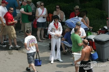Elvis on the Pagoda Plaza