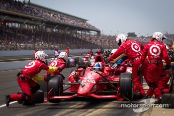 Pit stop for Dario Franchitti, Target Chip Ganassi Racing Honda
