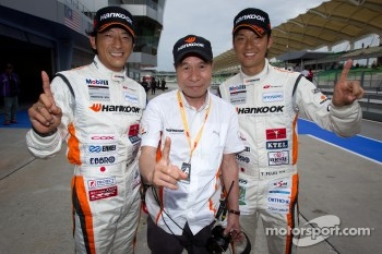 GT300 pole winners Masami Kageyama and Tomonobu Fujii
