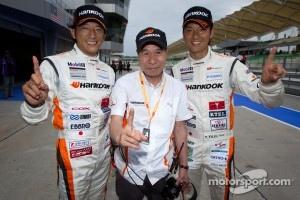 GT300 pole winners Masami Kageyama and Tomonobu Fujii