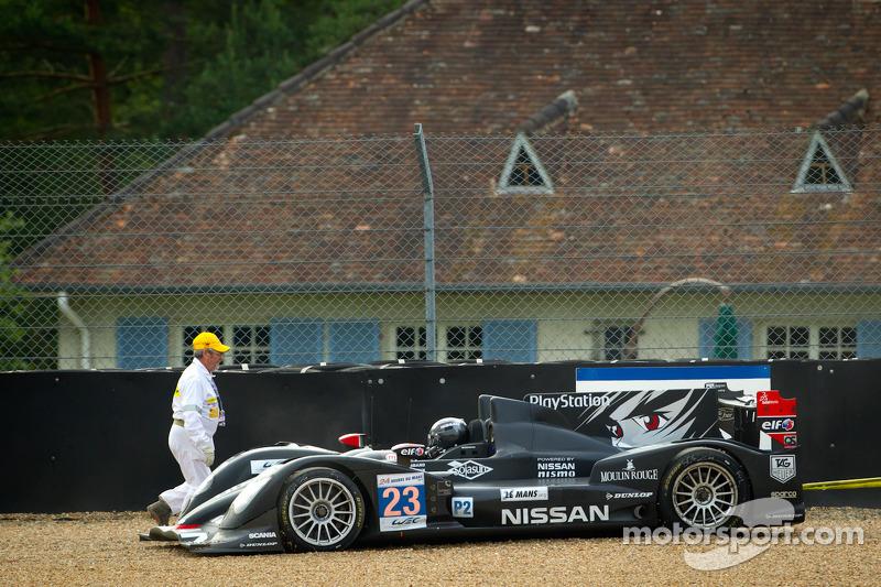#23 Signatech Nissan Oreca 03 Nissan: Franck Mailleux, Jordan Tresson, Olivier Lombard off the track
