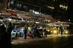 Night action in the pitlane