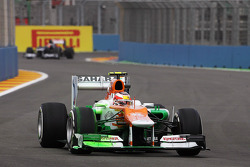 Jules Bianchi, Sahara Force India F1 Team Third Driver running flow-vis paint