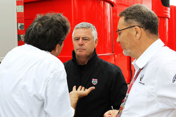 Pasquale Lattuneddu, of the FOM with Derek Warwick, BRDC President and Richard Phillips, CEO Silverstone