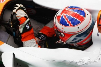 Paul di Resta, Sahara Force India wears a helmet onhis helmet for Maria De Villota, Marussia F1 Team Test Driver