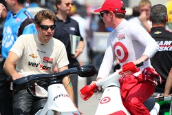 Will Power, Verizon Team Penske Chevrolet and Scott Dixon, Target Chip Ganassi Racing Honda