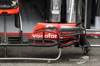 McLaren MP4/27 front wing detail