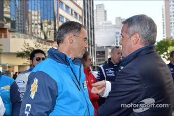 Autograph session, Alain Menu, Chevrolet Cruze 1.6T, Chevrolet and Marcello Lotti, WTCC General Manager
