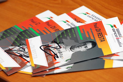 Signed autograph cards of Paul di Resta, Sahara Force India F1