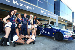 Alberto Cerqui, BMW 320 TC, ROAL Motorsport with Grid Girls