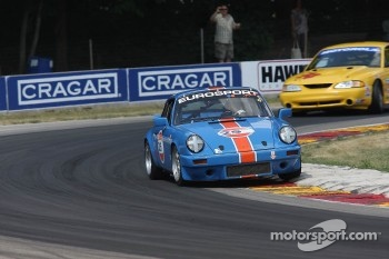 #25 1978 Porsche 911SC: Jeffery Parnell 